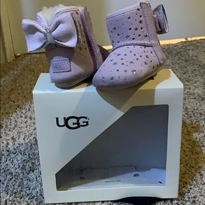 Size 0/1 girls Ugg boots